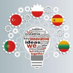 logo_erasmus-e-szurek